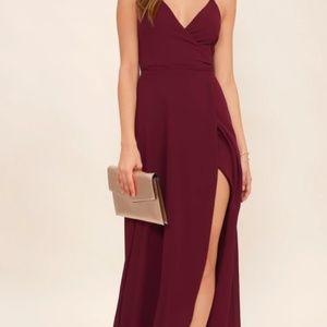 Lulus maroon gown